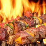 Come accendere un barbecue a legna
